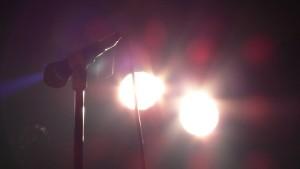 Mikrofon og scenelys